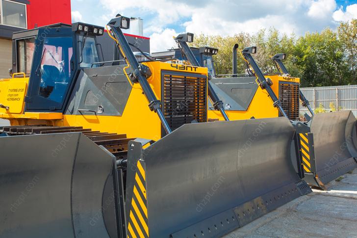 Čeljabinská továrna na průmyslové traktory vyrobila pro Čukotku nové buldozery
