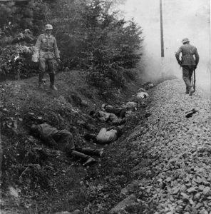 Masakr v Ciepielówě, při němž povraždil Wehrmacht 300 polských válečných zajatců