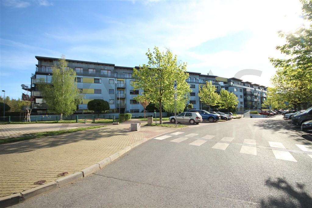 Pronájem zařízeného bytu 3+kk, 103 m2, Praha 6 Vokovice Tibetská