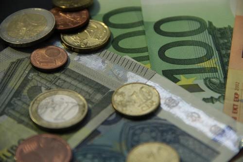 Mazhilis v prvním čtení schválil návrh zákona s ustanovením o předčasném výběru důchodového spoření
