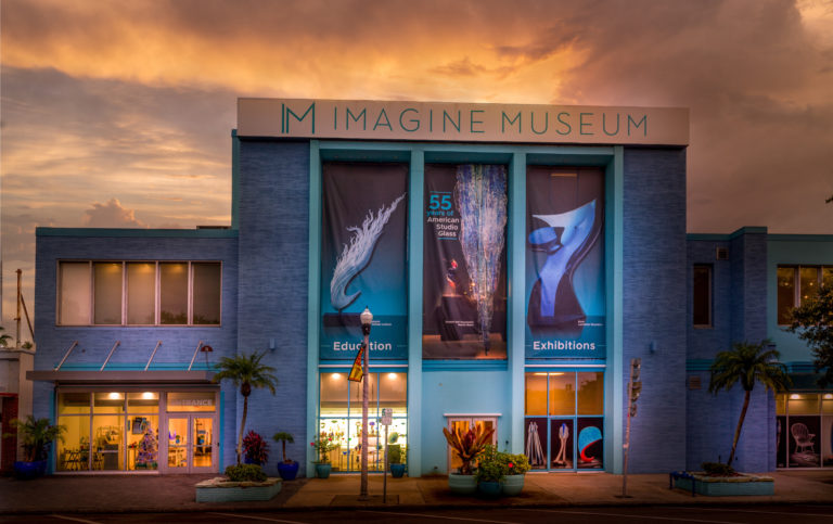 Muzeum Imagine Museum na adrese 1901 Central Ave. bylo otevřeno v lednu 2018.