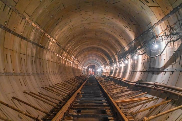 Jeden z nejobtížnějších průniků tunelem byl dokončen na trase metra Big Circle