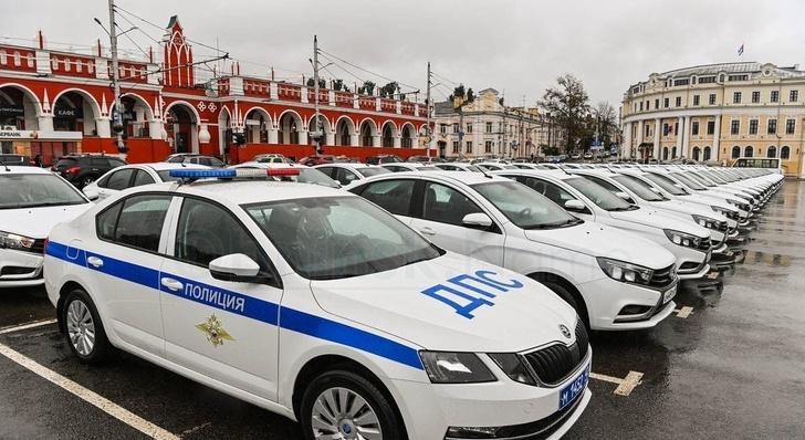 Kalugští policisté dostali 60 nových služebních automobilu 1