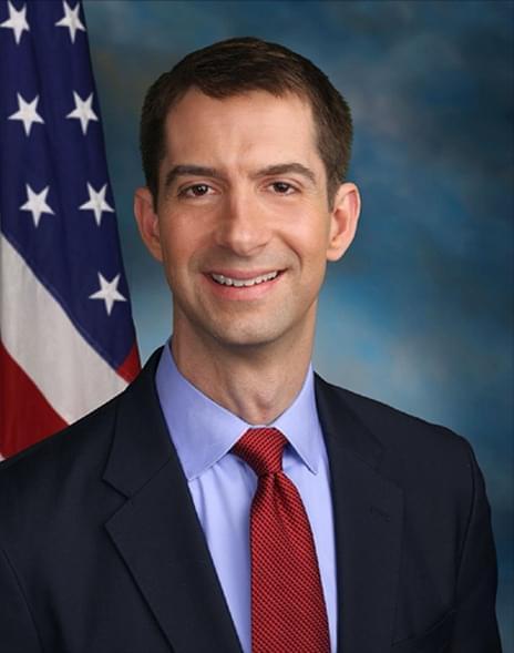 Tom Cotton je senátor Spojených států z Arkansasu