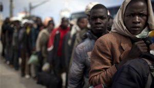 Afričani emigrují do Evropy, co na to Evropa?