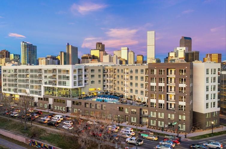 Projekt 322 luxusních bytu, který nahradí parkoviště v centru Denveru
